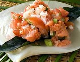 Ломи – салат из красной рыбы по-гавайски