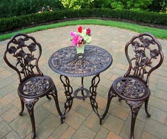 Металлический стол и стулья для патио